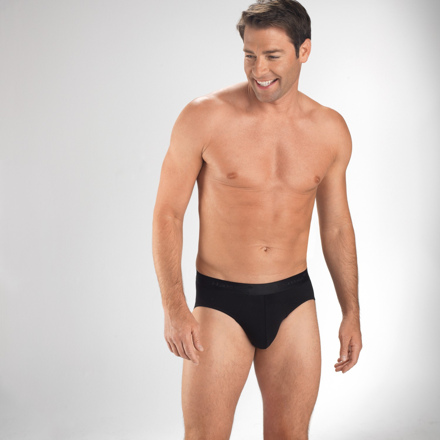 Underwear Men's underwear from Calvin Klein, aussieBum, BOSS Hugo Boss, Baskit, JM, C-IN2 and more. From basic men's briefs to plush cotton boxers and boxer briefs, we offer mens underware in body shaping cuts, % cotton and high tech materials such as micro-fiber for comfortable, clean support.
